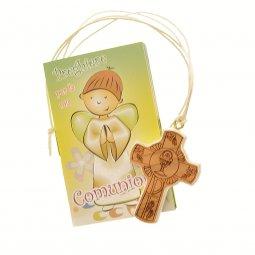 """Copertina di 'Croce in legno """"Prima Comunione"""" con libricino di preghiere'"""