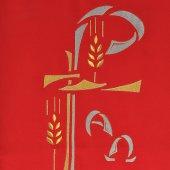 Immagine di 'Coprileggio rosso con frangia e Cristogramma ricamato in oro e argento'
