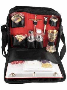 Copertina di 'Valigia per celebrazioni in rafia e pelle con cerniera e tracolla 19 oggetti - dimensioni 12x26'