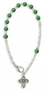 Copertina di 'Braccialetto con palline in vetro maculato di 6 mm di colore verde e croce'
