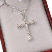 Collana con crocetta classica in strass e catenina in argento 925