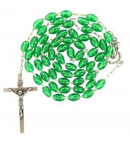 Copertina di 'Rosario in plastica ovale verde con legatura a macchina'