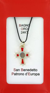 Copertina di 'Croce San Benedetto coniata con bagno d'oro 24 kt con smalto rosso - 2,6 cm'