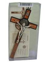 Immagine di 'Croce di San Benedetto in legno d'ulivo con Gesù argentato - altezza 20 cm'