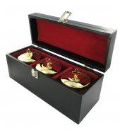 Astuccio ( kit celebrazione messa) con 3 vasetti altare dorati