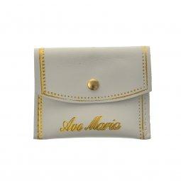 """Copertina di 'Portarosario rettangolare in pelle con bottoncino e scritta dorata """"Ave Maria"""" - colore bianco'"""