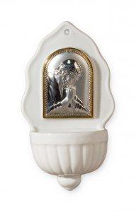 """Copertina di 'Acquasantiera in porcellana con placca in argento bilaminato """"Cristo orante"""" - altezza 16 cm'"""