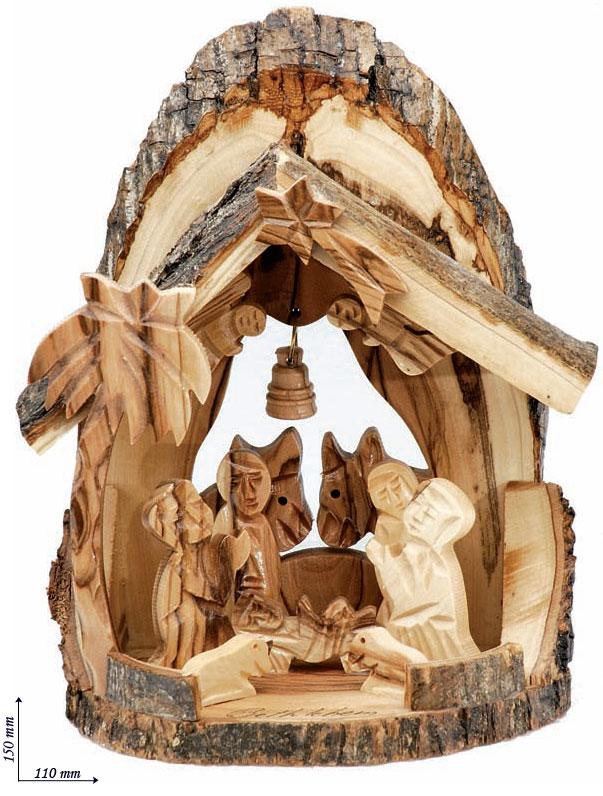Presepe particolareggiato in legno e corteccia dulivo con angioletti ...