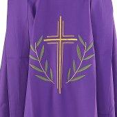 Immagine di 'Casula viola con croce stilizzata e ramoscelli d'ulivo ricamati'