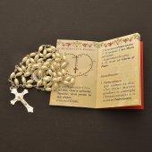 """Immagine di 'Confezione """"Il Santo Rosario"""" con coroncina in perla e libricino'"""