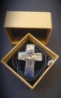 Immagine di 'Collana con croce in ceramica Raku'