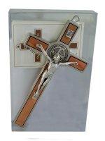 Immagine di 'Croce di San Benedetto in legno d'ulivo con Gesù argentato -  altezza 13 cm'