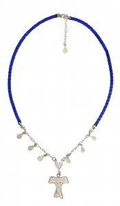 Copertina di 'Girocollo in ecopelle blu con tau filigrana in argento'