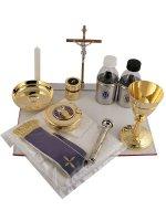 Immagine di 'Valigia per celebrazioni in rafia e pelle con cerniera e tracolla 19 oggetti - dimensioni 12x26'