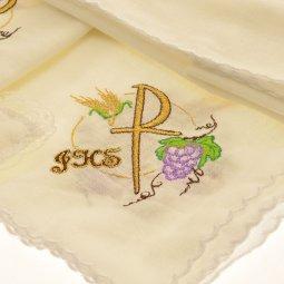 """Copertina di 'Servizio da Messa 4 pezzi in puro lino con ricamo """"IHS, spiga e uva""""'"""