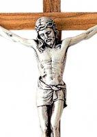 Immagine di 'Crocifisso da parete in legno di ulivo con Cristo in metallo argentato - 16 cm'