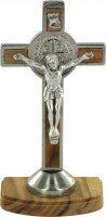 Croce di San Benedetto con base in legno d'ulivo - 9 cm di  su LibreriadelSanto.it