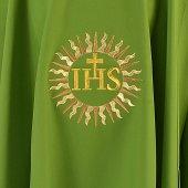 Immagine di 'Casula verde con sole e cristogramma IHS ricamati'
