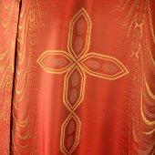 Immagine di 'Casula rossa damascata'