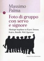 Foto di gruppo con servo e signore - Massimo Palma