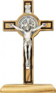 Copertina di 'Croce di San Benedetto da tavolo in legno d'ulivo con rigatura scura incisa - altezza 8 cm'