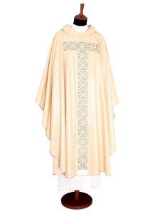 Copertina di 'Casula color oro con stolone in pura lana e ricamo a croce'