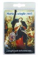 Medaglia resinata Madonna che scioglie i nodi con laccio e preghiera di  su LibreriadelSanto.it