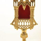 Immagine di 'Reliquiario dorato con teca a forma di tempio'