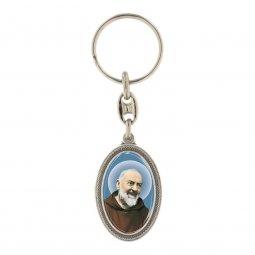 """Copertina di 'Portachiavi ovale in metallo """"Padre Pio""""'"""