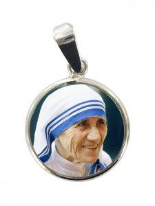 Copertina di 'Medaglia Santa Madre Teresa di Calcutta in argento 925 e porcellana - 1,8 cm'