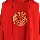 Immagine di 'Casula rossa con simboli dei quattro Evangelisti ricamati'