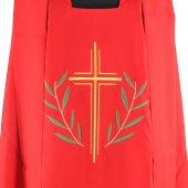 Immagine di 'Casula rossa con croce stilizzata e ramoscelli d'ulivo ricamati'