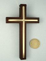 Immagine di 'Croce per Prima Comunione in legno scuro ed inserti dorati con laccio - dimensioni 10x6 cm'