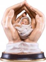 Mani protettrici con neonato - Demetz - Deur - Statua in legno dipinta a mano. Altezza pari a 11 cm.