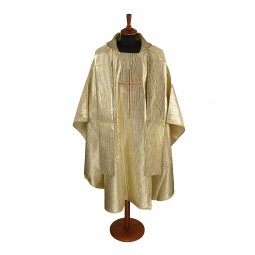 Copertina di 'Casula oro con ricamo a croce stilizzata'