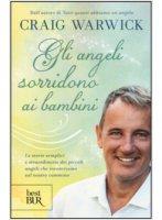 Gli angeli sorridono ai bambini