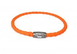Copertina di 'Bracciale cordoncino con croce argento e chiusura calamitata - Arancione'