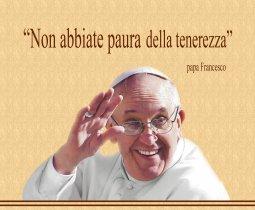 """Copertina di 'Mousepad con immagine di Papa Francesco """"Non abbiate paura della tenerezza""""'"""