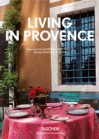 Living in Provence. Ediz. italiana, spagnola e portoghese - Stoeltie Barbara, Stoeltie René