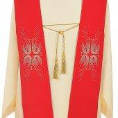 Immagine di 'Stola rossa con ricamo a croce e piume di pavone'