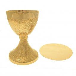 Copertina di 'Calice dorato zigrinato con patena dorata liscia'