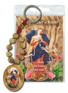 Copertina di 'Portachiavi Maria che Scioglie i Nodi con decina in ulivo e preghiera in inglese'