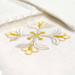 Copertina di 'Servizio da messa 4 pezzi con croce gigliata in bianco e oro'
