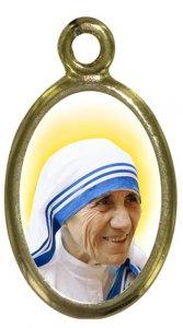 Copertina di 'Medaglia Madre Teresa di Calcutta in metallo dorato e resina - 1,5 cm'