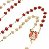 Immagine di 'Rosario con grani in legno bianchi e rossi e libricino'