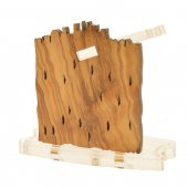 Immagine di 'Natività in metallo con capanna in legno d'ulivo e plexiglass - altezza 6,5 cm'