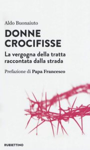 Copertina di 'Donne crocifisse'